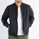 アークテリクスのセトンジャケットを着た男性