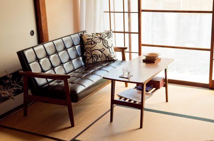 和室にソファ