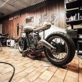 ガレージとバイク
