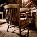 椅子のある部屋